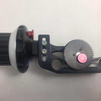 Vocas Leichtschärfe MFC-1 / Follow Focus für DSLR etc. mit Unterbau für 15er Rohre